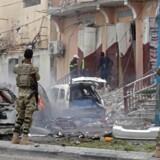 Arkivfoto. »Al Shabaab vandt kontrol over base, politistation og det meste af byen,« siger en indbygger. Mindst 10 dræbt.