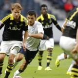 Her er AIK Stockholms spillere på banen i Europa League-kampen mod den græske klub Atromitos. Torsdag aften skulle AIK Stockholm have spillet mod IFK Göteborg, men kampen blev aflyst grundet matchfixing. (Arkivfoto)