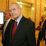 Den irske nationalist Martin McGuiness har udløst en alvorlig krise i det nordirske selvstyre, da han trak sig som viceførsteminister og dermed med den særlige magtdelingsaftale fik selvstyreregeringen til at bryde sammen. Foto: Reuters