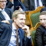 Socialdemokraternes bagland er splittet, når det kommer til et tæt samarbejde med Dansk Folkeparti.