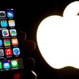 Nogle af Apples ansatte er klar til at sige deres job op, hvis Apple af FBI tvinges til at hacke sig ind i en beslaglagt iPhone-telefon. Arkivfoto: Philippe Huguen, AFP/Scanpix