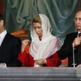 I Rusland er det religiøse miljø domineret af den ortodokse kirke, der nyder stor politisk indflydelse og støttes af præsident Vladimir Putin.