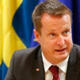 Den svenske indenrigsminister, Anders Ygeman, tager nu en snak med de svenske teleselskaber oven på EU-Domstolens underkendelse af indsamlingen af folks tele- og internetoplysninger. Arkivfoto: Laurent Dubrule, EPA/Scanpix