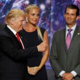 Jared Kushner (til venstre) og Donald Trump Jr. (til højre) er blandt de nøglepersoner, der i denne uge skal afhøres i Rusland-sagen.