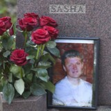 Graven for den dræbte tidligere KGB-agent, Alexander Litvinenko, på Highgate kirkegården i London. Russiske agenter dræbte ham i 2006 med et radioaktivt stof, og den britiske regering lovede dengang en hård kurs over for Rusland. Det skete aldrig.