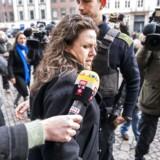Peter Madsens forsvarer Betina Hald Engmarks ankommer til Københavns Byret. Tilhørere og mediefolk er mødt massivt op foran Københavns Byret. (foto: Martin Sylvest/Scanpix Ritzau 2018)