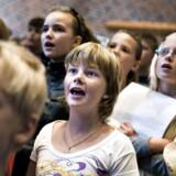 Kirkerummet er ikke forbeholdt salmer. Kirkesangbogen samler 229 sange.Arkivfoto.