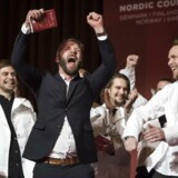 Jubel på scenen i Københavns Rådhus, hvor der mandag eftermiddag blev uddelt nordiske Michelinstjerner.