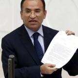 Tyrkiets justitsminister Bekir Bozdag under en debat i Anakara.