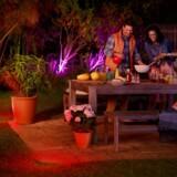 Philips' lyssystem, Hue, kan snart også bruges udendørs, hvor man tilsvarende kan stille på pærernes farvetoner og bruge faste forindstillinger til bestemte stemninger. Foto: Philips