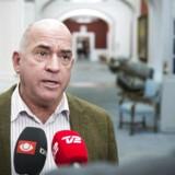»Jeg er faktisk dødtræt af at have de her diskussioner hvert andet eller hvert fjerde år,« siger udenrigsordfører Søren Espersen (DF).