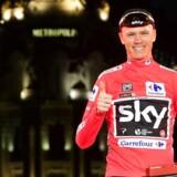 Den britiske cykelrytter blev søndag den første til at vinde Vueltaen efter at have sejret i Tour de France.