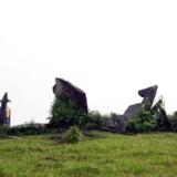 De i alt 127 granitsten er op til tre meter høje og blev opsat for over 1.000 år siden inde midt i Amazonas. De kan meget vel være Brasiliens ældste astronomiske observatorium.