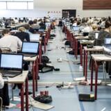 Det skal være slut med internetadgang til eksaminerne i gymnasiet, bebuder undervisningsminister Merete Riisager (LA).