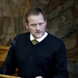 Finansordfører René Christensen undrer sig, efter at S-formand Mette Frederiksen har meldt sig klar til at droppe kravet allerede fra næste år.