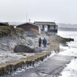 Arkivfoto af stormen Helga, der ramte de nedstyrtningstruede sommerhuse ved Nørlev Strand syd for Hirtshals.
