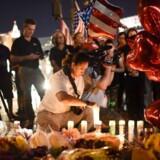Efterforskningen af søndagens skudmassakre i Las Vegas har afsløret, at den formodede gerningsmand anvendte en anordning, der gør halvautomatiske våben i stand til at affyre skud væsentligt hurtigere end normalt.
