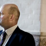 Justitsminister Søren Pape Poulsen (K) beder nu Politiets Efterretningstjeneste (PET) orientere Folketinget om, hvordan efterretningstjenesten håndterer dokumenter som skal bevares for eftertiden.