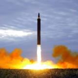 Den nordkoreanske leder varsler nye missilaffyringer, få timer efter at FN's Sikkerhedsråd har advaret ham.