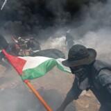 Splittelsen mellem israelere og palæstinensere er så tydelig som nogensinde, efter at voldsomme uroligheder er blusset op i kølvandet på åbningen af den amerikanske ambassade i Jerusalem.