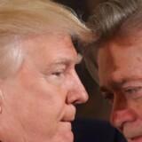 (ARKIV) USAs præsident raser over sin tidligere toprådgiver Steve Bannon, der går i kødet på Trumps svigersøn. (Foto: CARLOS BARRIA/Scanpix 2018)