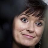 Innovationsminister Sophie Løhde taler med medierne efter OK18's første sættemøde mellem Centralorganisationernes Fællesudvalg og Moderniseringsstyrelsen i Finansministeriet tirsdag den 19 december 2017. Formand for Centralorganisationernes Fællesudvalg Flemming Vinther var også tilstede. (Foto: Liselotte Sabroe/Scanpix 2017)