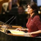 Den amerikanske FN-ambassadør, Nikki Haley, har sagt, at hun vil aflevere navnene på de lande, der stemmer for resolutionen, til præsident Donald Trump.