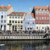 I flere dele af København koster kvadratmeteren nu mere end 48.000 kroner. Her Nyhavn. (Foto: Nils Meilvang/Scanpix 2017)