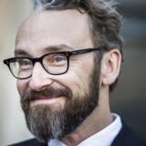 Ole Birks ministerfremtid afgøres tirsdag Transportministeren har rent juridisk ikke noget i klemme, men sagen om PostNords krise og hans ageren kan alligevel blive farlig for ham, lyder analysen.