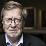 Pas på med at straffe DR økonomisk, lyder advarslen fra tidligere kulturminister Per Stig Møller (K), efter adskillige borgerlige politikere har kritiseret serien »Historien om Danmark« i skarpe vendinger.