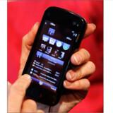 2009 bliver året, hvor Apples iPhone, efter at have siddet tungt på smartphone-markedet, for alvor vil blive udfordret af alternative og billigere løsninger, vurderer Preben Mejer, leder af Innovation Lab. Nokia har netop lanceret sin N97-model (foto), og Sony Ericssonrasler også med sablen, ligesom flere Google Android-eksemplarer er på vej.