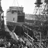 Skibskreditfonden blev oprettet i 1961 for at støtte den maritime industri, herunder skibsværfterne, som dengang beskæftigede mange tusinde medarbejdere. Et af de større var Helsingør Skibsværft, der i 1963 søsatte DSB-færgen »Arveprins Knud«, som sejlede på ruten Halsskov-Knudshoved indtil Storebæltsbroens åbning i 1998. Foto: Hakon Nielsen