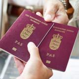 Det er vigtigt at få styr på rejsepapirerne såsom pas, forsikring og pillepas inden rejsen.