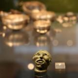 Mandehoved fra ældre germansk jernalder. Han rækker tunge, men hvad var hans formål i øvrigt? Foto: Nationalmuseet