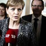 Miljø- og fødevareminister Eva Kjer Hansen (V) har inviteret partierne bag landbrugspakken til en ny drøftelse efter kritik fra bl.a. de Konservative.