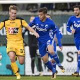 FC Københavns Benjamin Verbic så direkte rødt før pausen, da Horsens og FCK spillede 1-1 søndag eftermiddag.