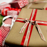 Gaver til jul - julegaver, indpakningspapir, gavebånd