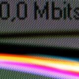 37 af 100 danskere har bredbåndsfoorbindelse til Internet. Det bringer os til tops blandt de 30 OECD-lande. Her tæller dog forbindelser helt ned til 256 kilobit i sekundet med som bredbånd. Foto: Colourbox