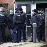 Politiet foretager ransagninger i Mjølnerparken på Nørrebro søndag d. 15 februar 2015.