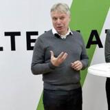 Arkivfoto. Efter mere end et års arbejde på at indhente vælgererklæringer er det mandag lykkedes Alternativet med stifter Uffe Elbæk i spidsen at få samlet 20.260 vælgererklæringer.