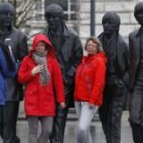 Beatles turister skæpper godt i kassen i Liverpool - hvor de blandt andet har fået sine egne statuer på havnefronten.