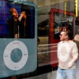 Afskaffelsen af kopibeskyttelsen  vil løsne Apples faste greb om det digitale musiksalg.