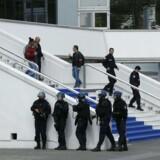 Franske gendarmer og indsatstropper under terror-øvelsen ved Festivalpalæet i Cannes torsdag.