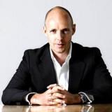 Den øverste chef for Telenor i Danmark, Henrik Clausen, understreger alvoren i krisen.