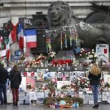 Frankrig mindes ofrene for attentatet på Charlie Hebdo – her på Place de la Republique i Paris, ganske tæt på gerningsstedet for udåden 7. januar 2015.