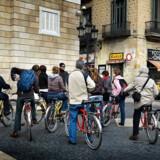 Et af de nyeste tiltag i den spanske storby er muligheden for at opleve byen fra bagsædet eller sidevognen på en motorcykel.