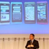 Canadiske Stephen Elop, der tidligere var direktør i Microsoft, overtog i september 2010 røret hos den finske mobilgigant Nokia, som siden er raslet ned i markedsværdi. Arkivfoto: Roslan Rahman, AFP/Scanpix