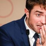 Robert Pattinson spiller en meget uheldig bankrøver i »Good Times«, der havde premiere i går i Cannes.