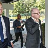 Goldman Sachs stiler mod at tjene mindst otte milliarder kroner på investeringen i den danske energikoncern DONG Energy. Martin Hintze, der er direktør for Goldman Sachs' investeringsdel og bestyrelses medlem og Michael Specht Bruun fra Goldman Sachs talte tidligere på året på DVCA's Topmøde 2014 i Nyborg. ARKIVFOTO