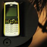 Motorola præsenterede på årets største forbrugerelektronikmesse, CES i Las Vegas, sin genbrugstelefon, Moto W233 Renew, lavet af genbrugsplastikflasker. Foto: Robyn Beck, AFP/Scanpix